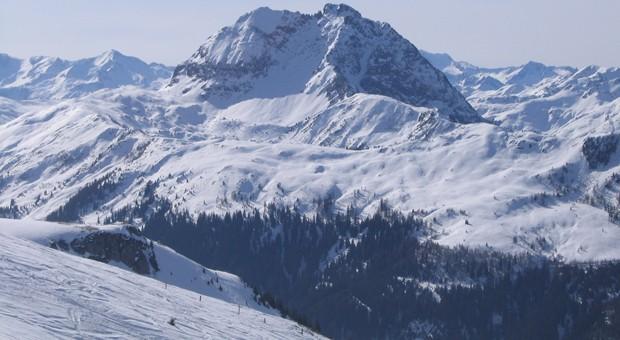 Blick vom Pengelstein auf den Großen Rettenstein: Auf diesen Pisten in der Nähe des Ortes Aschau in Tirol fährt Unternehmerin Corinna Powalla besonders gerne Ski.