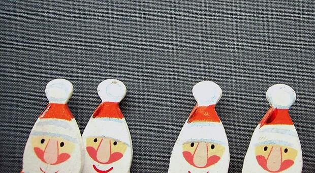 Wer wegen der Weihnachtsfeier keine böse Überraschung erleben will, muss einige Steuerregeln beachten.