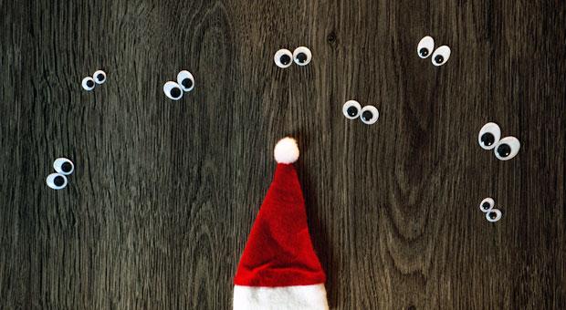 bei der weihnachtsfeier sind alle augen auf sie gerichtet. Black Bedroom Furniture Sets. Home Design Ideas