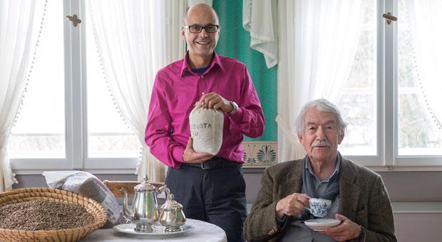 Georg Roth, 55, und Klaus Rückert, 83, haben eine Mini-GmbH gegründet, die fairen Kaffee importiert.