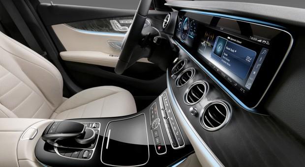 Der Innenraum der Mercedes E-Klasse 2016.