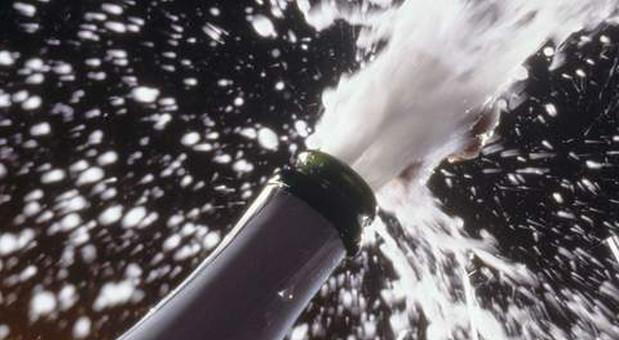 Nach dem Korkenknall beginnt der Genuss - egal ob Champagner, Pet Nat, Crémant oder Sekt.