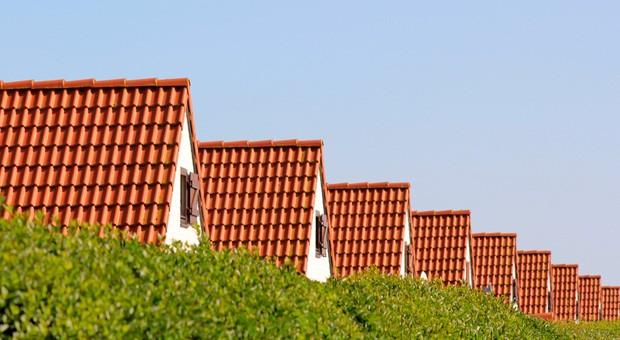 Der Traum vom Eigenheim ist greifbarer, als viele denken: Kaufen ist in allen Kreisen Deutschlands günstiger als Mieten.