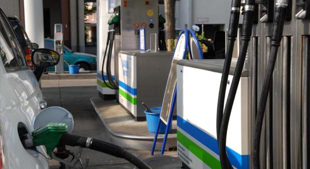 Der Benzinpreis ist in den vergangenen Wochen kräftig gefallen. Viel billiger kann es aber bald nicht mehr werden.