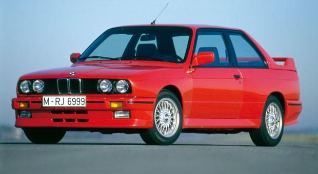 ... sieht es beispielsweise beim BMW M3 der Baureihe E30 aus: Der sportliche Bayer war schon in den 1980ern für viele ein Traumwagen. Schon 2009 kostete ein gutes Modell 20.000 Euro, jetzt hat der M3 die 50.000-Euro-Marke geknackt - weitere Preissteigerungen nicht ausgeschlossen.