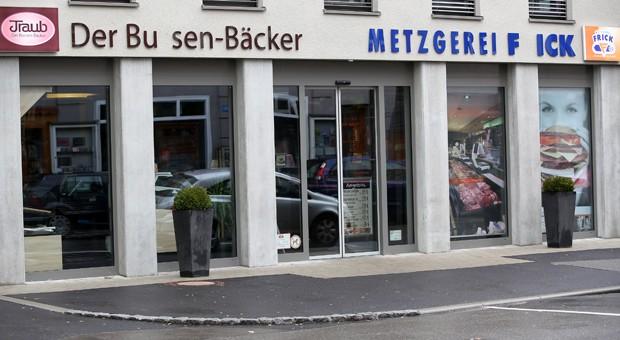 Innerhalb von drei Monaten haben Unbekannte in Bad Saulgau dreimal die Buchstaben S und R in den Namenschildern einer Bäckerei und einer benachbarten Metzgerei abgeschraubt und gestohlen.