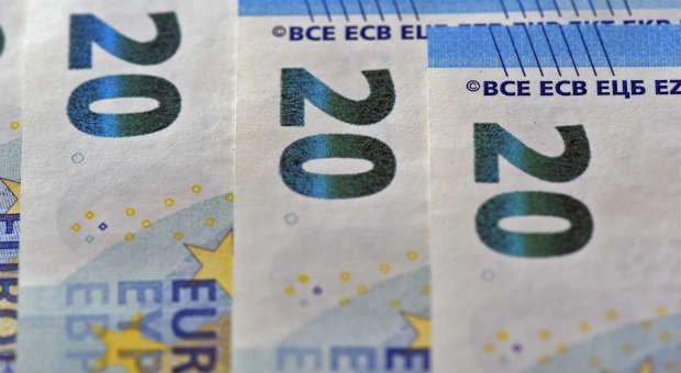 Ein Sicherheitsmerkmal bei den neuen Euro-Scheinen: die Smaragdzahlen.