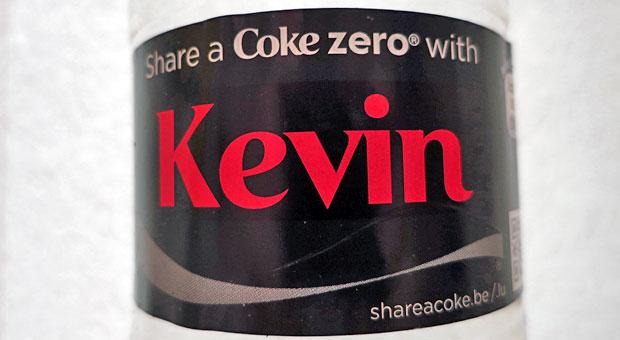 Der eigene Name auf dem Etikett ist eine wenig aufwendige Variante bei personalisierten Produkten.