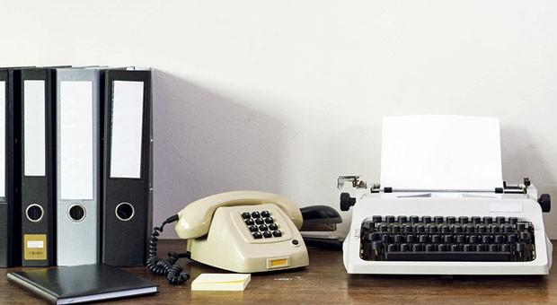 Telefone wie dieses wirken heute antiquiert. Doch wer den neuen Verbindungsstandard Voice-over-IP nutzt, hat oft mit Störungen zu kämpfen.