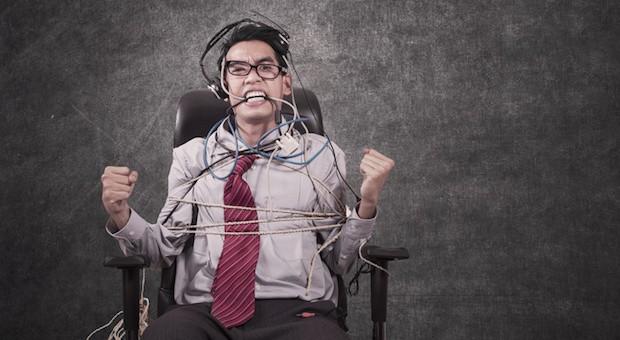 Wer gute Mitarbeiter halten will, muss sie nicht gleich am Bürostuhl festbinden.