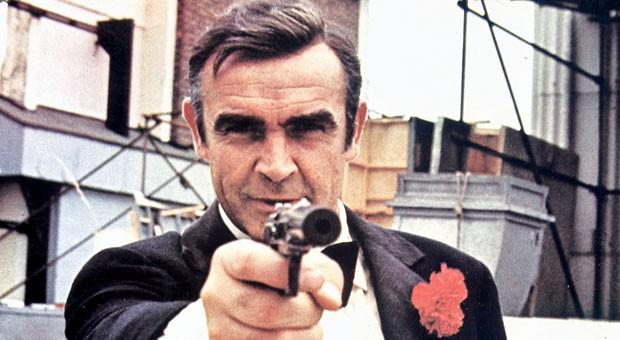 James Bond vertraut bei seiner Arbeit vor allem auf seine Knarre - echte Geheimagenten versuchen eher, bei ihrem Gegenüber Vertrauen aufzubauen. Unternehmer können hiervon lernen.