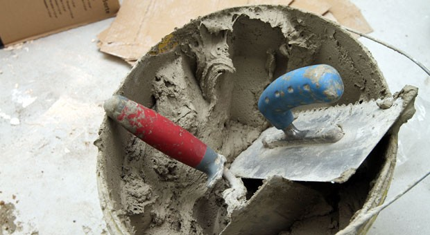 Werkstattlose Handwerker brauchen nicht viel mehr als ein bisschen Werkzeug und können daher günstige Angebote machen. Die Ausbildungsumlage macht ihnen allerdings zu schaffen.