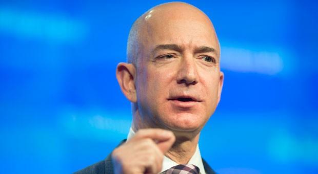 Jeff Bezos: Mit einem Vermögen von 45,2 Milliarden Dollar landet Amazon-Gründer auf Platz 5 im Ranking der reichsten Menschen der Welt.