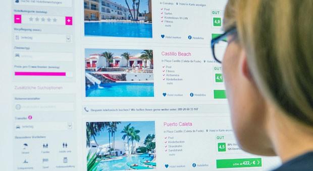 Qual der Wahl: Viele Reiselustige buchen Pauschalreisen inzwischen im Internet.