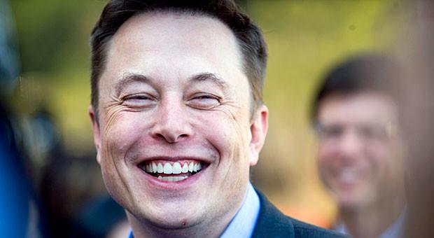 Er hat gut lachen: Elon Musk wird wegen seiner kühnen Ideen und seiner Hartnäckigkeit von vielen bewundert.