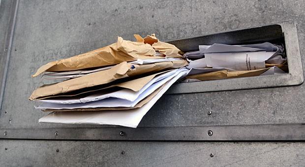 Ist Ihr digitales Postfach so übervoll wie dieser Briefkasten? Dann sollten Sie mal die Methode Inbox Zero ausprobieren.
