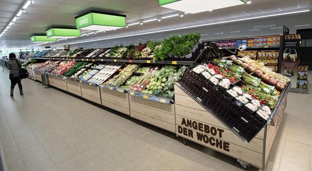 Keine Paletten mehr: Aldi-Süd trimmt seine Filialen auf Wochenmarkt - und sagt damit kleinen Händlern den Kampf an.