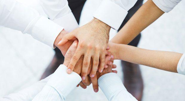 Um erfolgreich zu gründen, ist neben einer tollen Geschäftsidee noch ein gutes Team nötig. Internetportale können bei der Suche helfen.