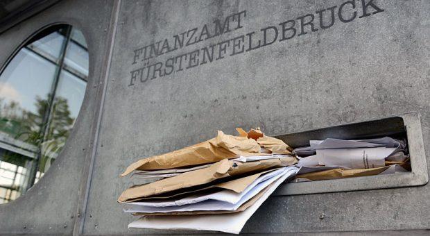 In Fürstenfeldbruck beträgt die Wartezeit auf den Steuerbescheid laut einer aktuellen Auswertung 51 Tage.