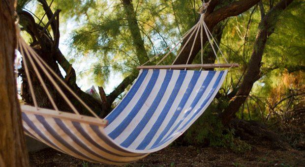 Endlich frei! Auch wenn es nicht jedem so vorkommen mag: Deutschlands Arbeitnehmer dürfen so viel faulenzen wie sonst kaum jemand. Laut einer Studie zu ihren Urlaubstagen können Angestellte jedes Jahr 29 Arbeitstage freinehmen.