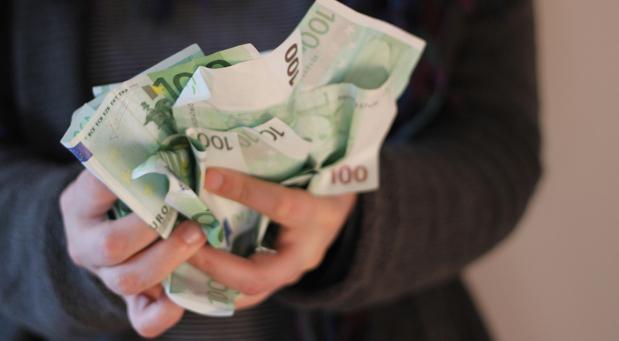 Mehr Geld halten ab dem 1. Juli 2016 vor allem Rentner und Geringverdiener mit Kindern in den Händen.