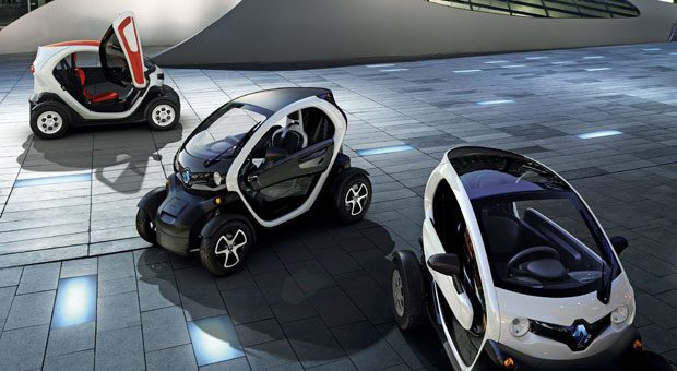 Kleine Mobilmachung: Der elektrische Twizy soll laut Renault nach 3,5 Stunden an einer normalen Steckdose geladen sein und eine Reichweite von 120 Kilometern bieten.