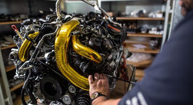Goldenes Handwerk: Mechanisches Motortuning wird heute eher bei teuren High-End-Motoren betrieben.