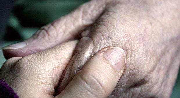 In jungen Jahren vorsorgen fürs Alter - für viele Selbstständige ist das schwierig. Die Union plant nun eine verpflichtende Altersvorsorge.