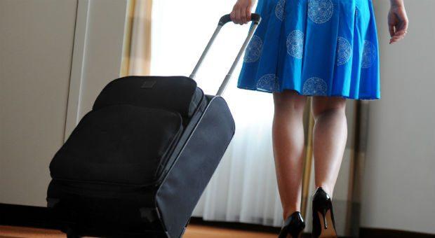 Viele Koffer sehen unscheinbar aus - Stärken und Schwächen beim Material zeigen sich oft erst im Detail. Über das richtige Material entscheidet die Reiseart.