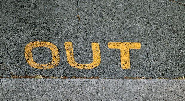 """""""Du bist raus.""""  Wer als Arbeitgeber eine Kündigung aussprechen muss, fühlt sich oft selbst unwohl in der Situation."""