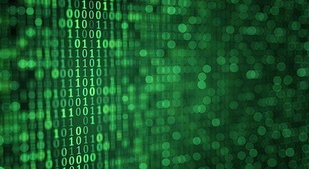 Nullen und Einsen: Wenn sich Hacker in den Code Ihres Systems geschlichen haben, können sie dort über Monate Daten löschen, kopieren oder verändern.