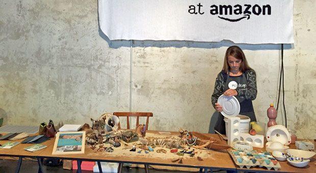 """Wie auf dem Weihnachtsbasar: Bei der Vorstellung von Amazons neuer Plattform """"Handmade by Amazon"""" herrschte Kuschel-Ambiente."""