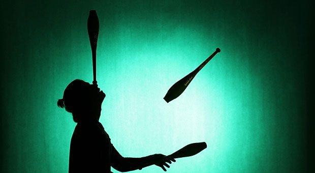 Jonglierkünste sind nicht nur im Zirkus von Nöten: Unternehmer müssen oft mit vielen Ideen jonglieren. Umso wichtiger ist eine zielsichere Ideenbewertung.