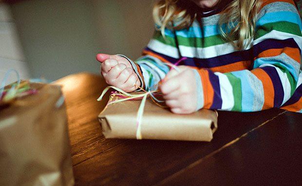 Große Geschenke für die Kleinen: Viele Unternehmer verschenken ihre Firma an die Kinder -vermutlich wegen der Erbschaftsteuerreform.