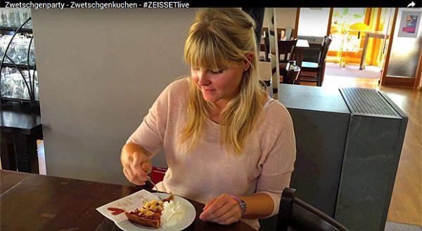 2015 hatten die Inhaber des Museumscafés und Hofladen Zeisset in Weisweil die Idee, festzuhalten, wie der Zwetschgenkuchen entsteht und bei den Gästen ankommt. Dafür bekamen sie allein auf Facebook mehr als 200 Gefällt-Mir-Klicks.
