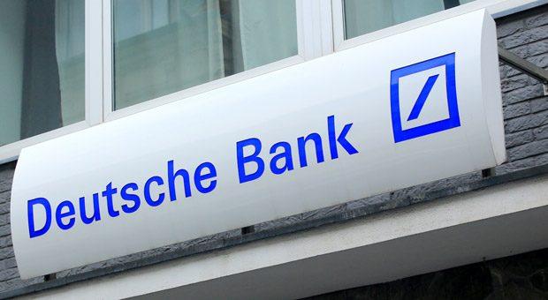 Wer seinen Dispo-Kredit bei der Deutschen Bank nur kurz um wenige Euro überzog, musste dafür nach Berechnungen des Bundesgerichtshofs umgerechnet einen Jahreszinssatz von 25.185 Prozent zahlen. Unverhältnismäßig viel, befand der BGH.
