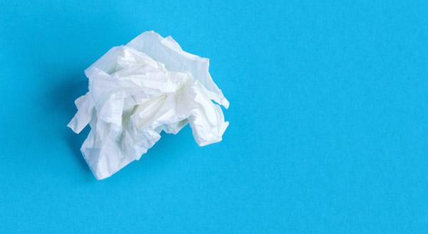 Ein Taschentuch zu reichen - das fällt den meisten Chefs noch ein. Wie aber reagiert man darüber hinaus angemessen, wenn ein Mitarbeiter weint?