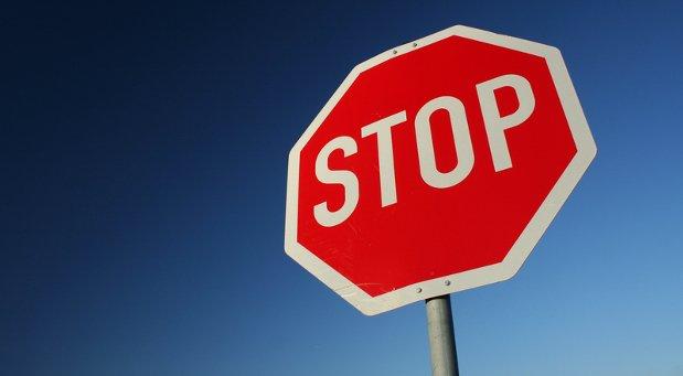 """Bewusst """"Stopp"""" sagen, ruhig auch laut - das ist eins der Rituale, die beim Abschalten helfen."""