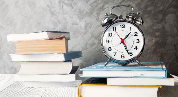 So viel zu lesen, so wenig Zeit - das Problem kennen viele. Wenn es nur möglich wäre, schneller zu lesen ... Genau das versprechen Schnelllese-Programme. Aber was taugen sie?