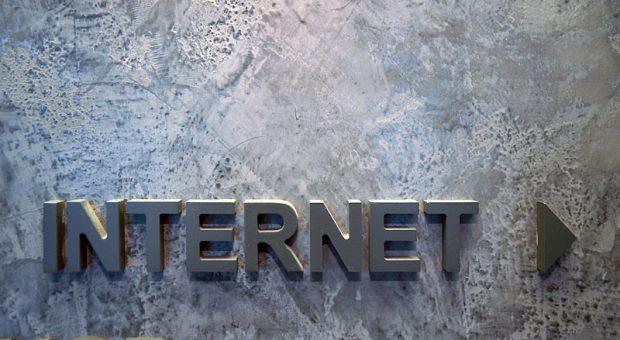 Sie wollen Ihr Unternehmen aus der Steinzeit ins Internet bringen? Dabei hilft Ihnen ein E-Commerce-Manager.