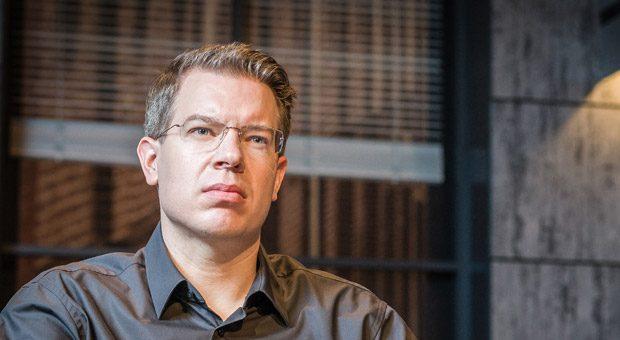 """In der TV-Show """"Die Höhle der Löwen"""" ärgert sich Start-up-Investor Frank Thelen oft ernsthaft über manche Gründer und nimmt bei seiner Kritik oft kein Blatt vor den Mund. Wenn er aber investiert, dann mit Erfolg."""