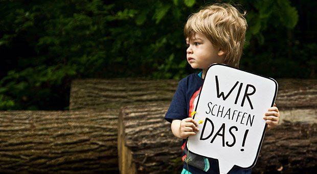 Wird er der nächste Mark Zuckerberg? Den nötigen Optimismus scheint der kleine Kerl zumindest zu haben - auch wenn deutsche Eltern einer Umfrage zufolge wenig tun, um den Gründergeist ihrer Kinder zu wecken.