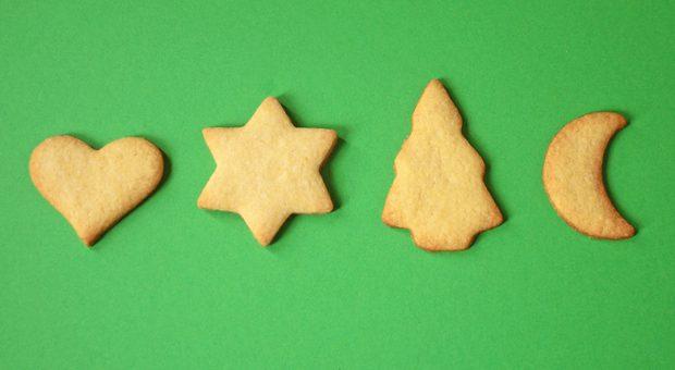 Selbstgebackene Plätzchen lassen garantiert Weihnachtsstimmung im Unternehmen aufkommen.