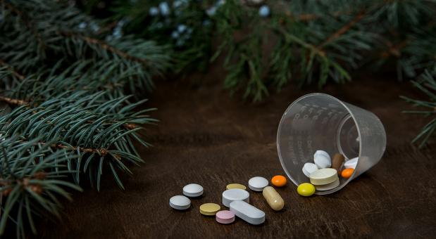 Schöne Beschwerung - Einige Unternehmer in Deutschland müssen die bittere Pille schlucken und an Heiligabend arbeiten. Zu ihnen zählt auch der Apotheker Thomas Rochell.