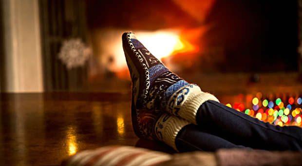 Füße hoch: Damit Sie Ihren Weihnachtsurlaub genießen können, sollten Sie die Urlaubsübergabe im Büro sorgfältig planen.