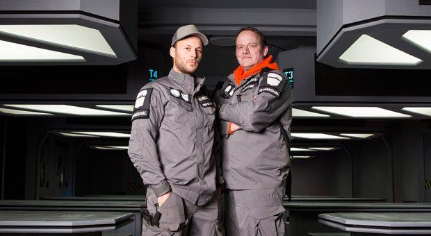 """Die Hamburger Florian Hansen und Sandro Sachs (v.l.) haben die Laserspielfläche """"The Imperial Lasertag Academy"""", kurz TILTA, gegründet."""