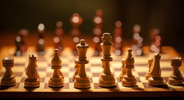Mit dem Verhandeln ist es ähnlich wie beim Schachspielen: Taktik ist alles.