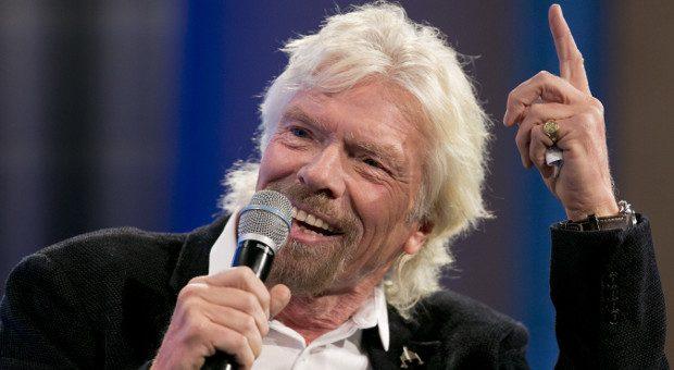 Der britische Unternehmer Richard Branson befolg seine acht Tipps und lebt so das für sich beste Leben.