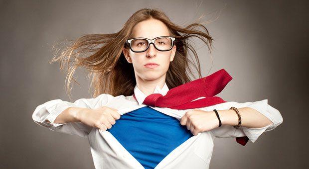 Business-Kleidung verwandelt uns nicht automatisch in Superhelden. Aber sie verändert unseren Blick auf die Welt. Mit Anzug und Krawatte fühlen wir uns mächtiger - und denken abstrakter.