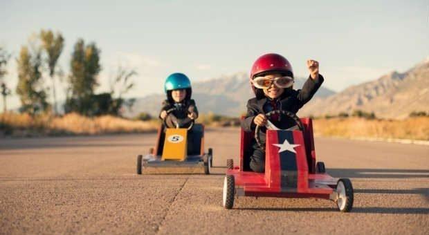 Was für Kinder beim Go-Kart-Wettrennen gilt, gilt auch für Unternehmer: Mit einer positiven Einstellung fährt man am besten – und eine positive Einstellung kann man lernen. Wir zeigen, wie's geht.